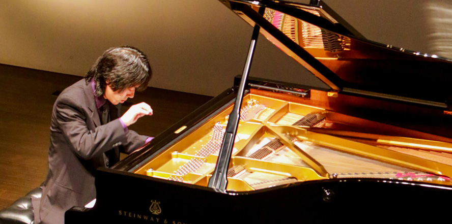 Taka Kigawa, (le) Poisson Rouge, LPR, piano, recital, concert, music, classical music, NYC, Japan, Olivier Messiaen, Catalogue of Birds