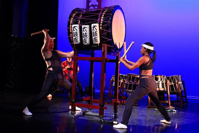 Taikoza, taiko, taiko drumming, concert, Japanese traditional music, drums, koto, Masayo Ishigure