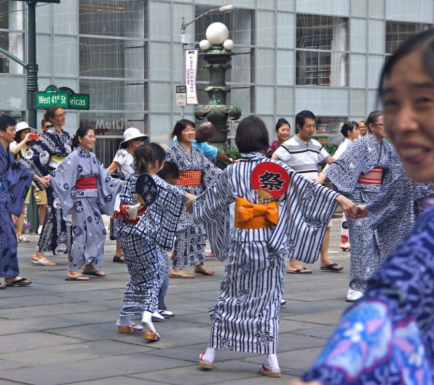 Obon, bon odori, New York Buddhist Church, Bryant Park, NYC, Japan, origami, Soh Daiko, taiko, Tachibana Dance Group, Buddhism, honoring the dead
